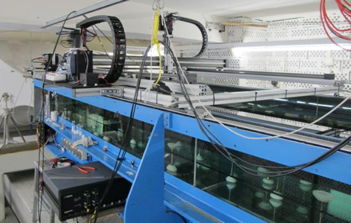 Laminarwasserkanal mit Heißfilmmesstechnik und Traversierung