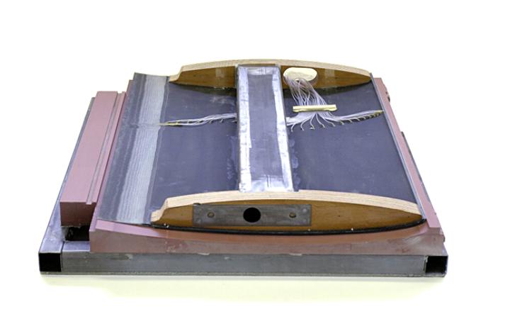 Beispiel einer Halbschale mit Druckanbohrungen in Negativbauweise (c)