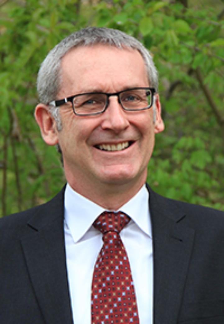Prof. Dr.-Ing. Ewald Krämer (c)